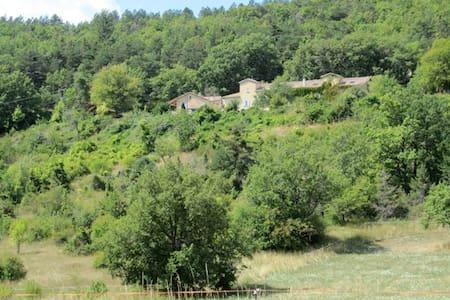 LES BUIS - 4personnes - Gîte isolé en forêt - Aspres-sur-Buëch