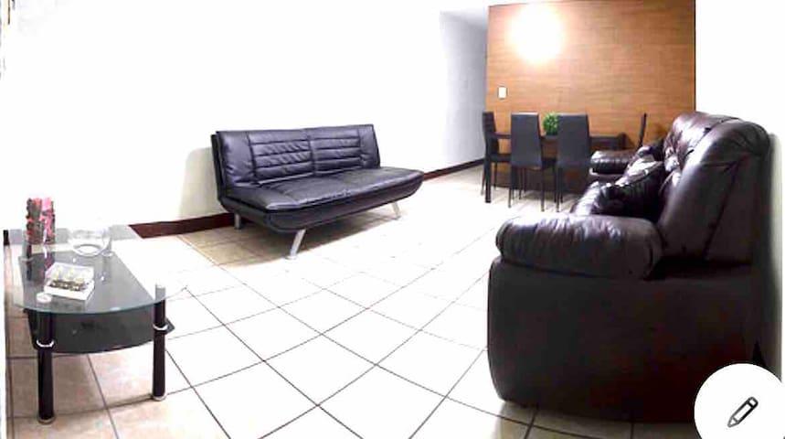 Apartamento Entero, 24h seguridad Cerca a la VAS