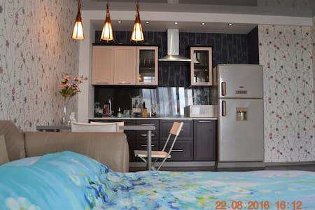 Комфортная квартира с отличным видом на город - Irkutsk - Apartment