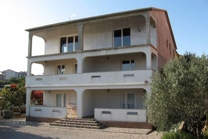 One bedroom apartment with terrace and sea view Kornić, Krk (A-5306-c) - Kornić - Flat