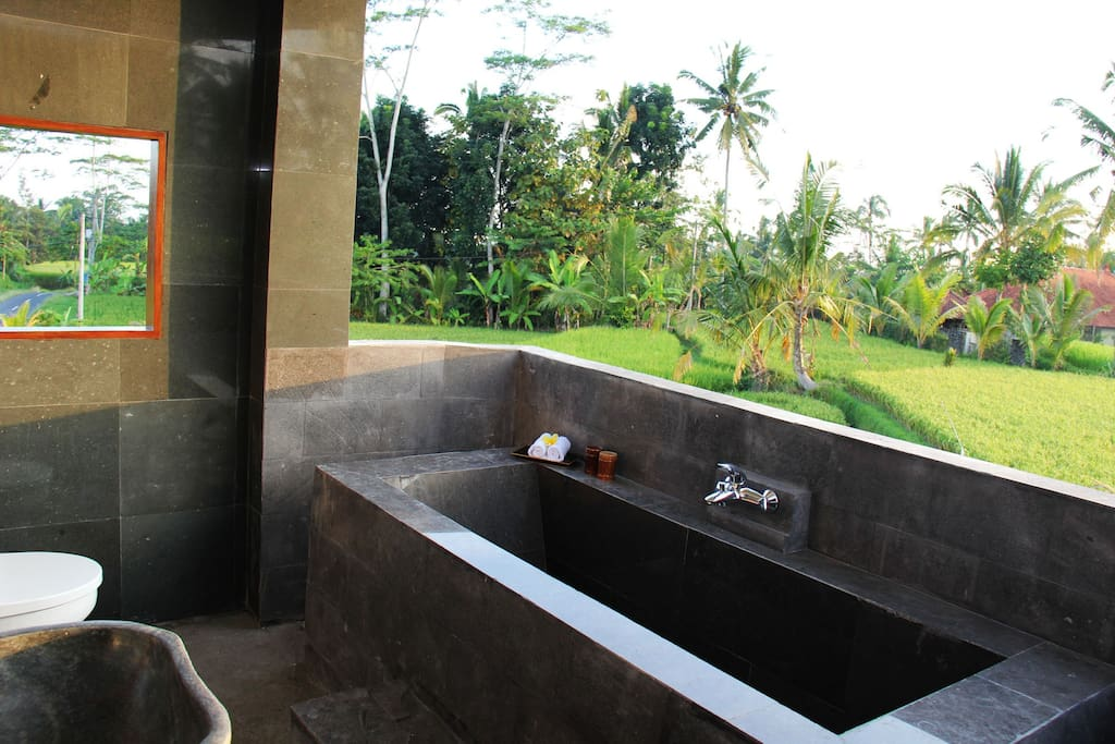 Open Air Bath Room
