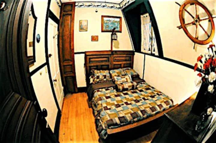 Whistler's Inn/The Captain's Room (#6)