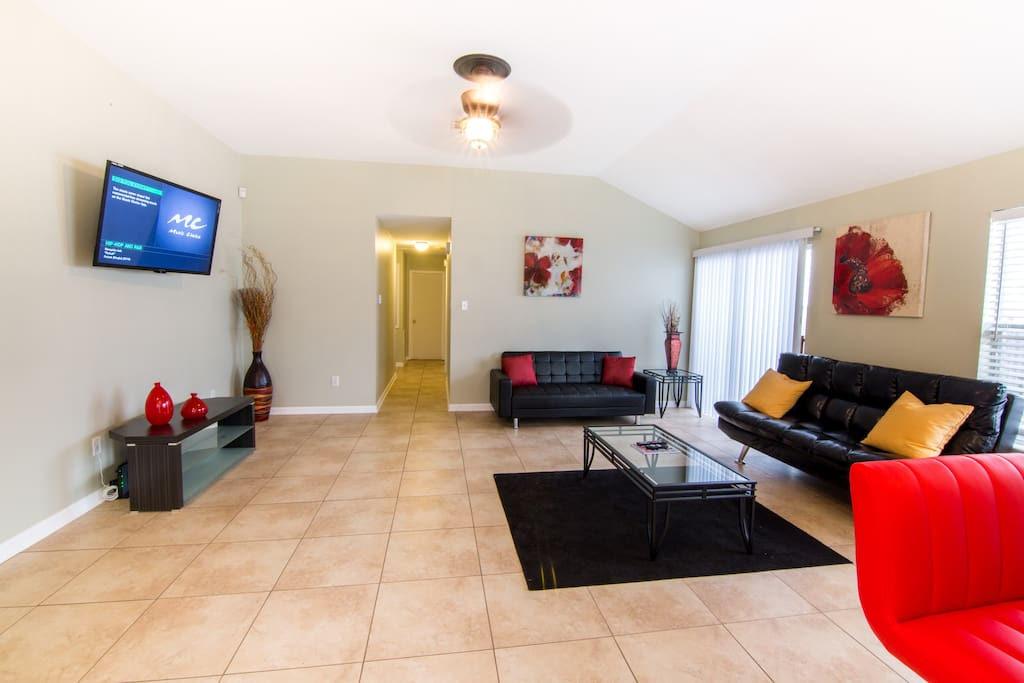 "Large Spacious Family Room/Den Includes Two Full Size Futons Sleeps 4 Guest. 50"" Flat Screen HDTV, Free WiFi, And Cable."