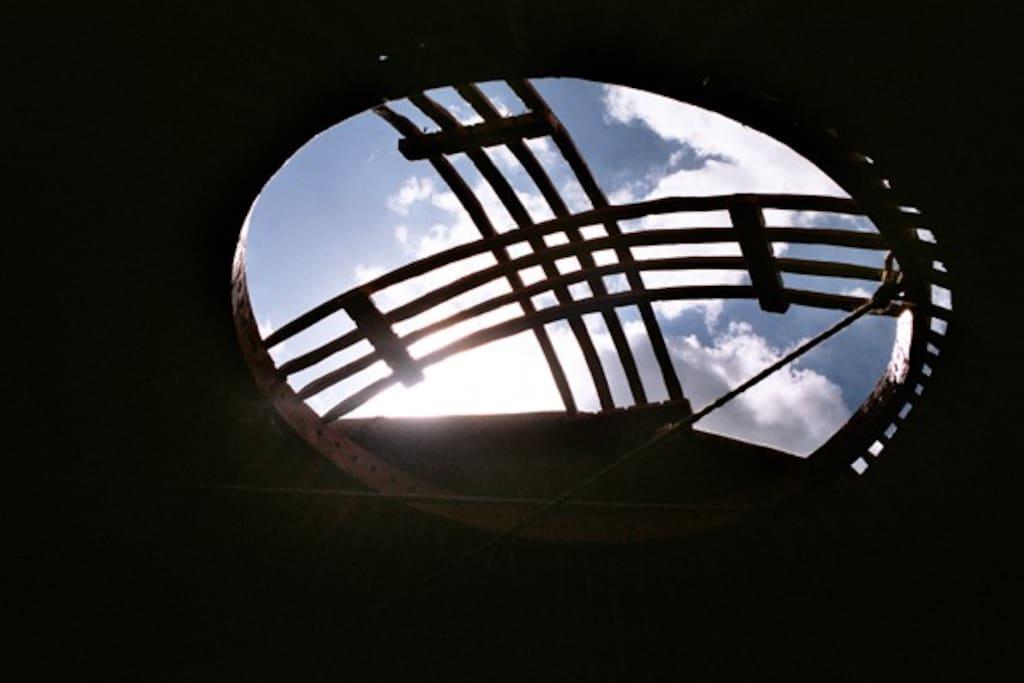 Bei schönem Wetter kann der Dachkranz geöffnet werden. Auch Nachts ;-)