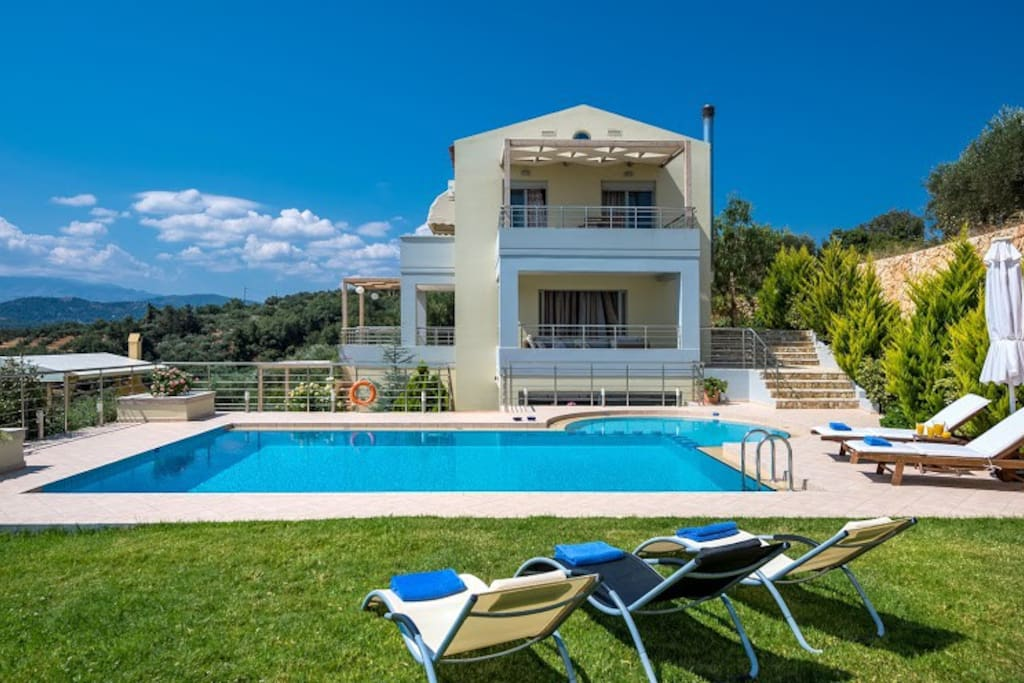 Athinas Villa Exterior - Private Pool - Magnificent Views