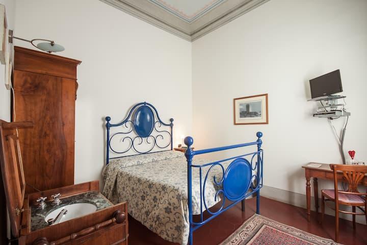 Casa Rovai, double room + bathroom