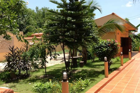 Rural-  Elephant Center, Mtn Temple - Hang Chat - Bed & Breakfast