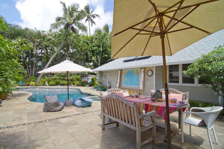 Kailua Beach footsteps away - Kailua - Casa