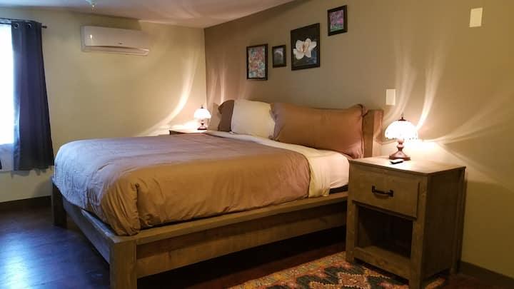 Modern luxurious home w/ Jacuzzi  Rustic Furniture