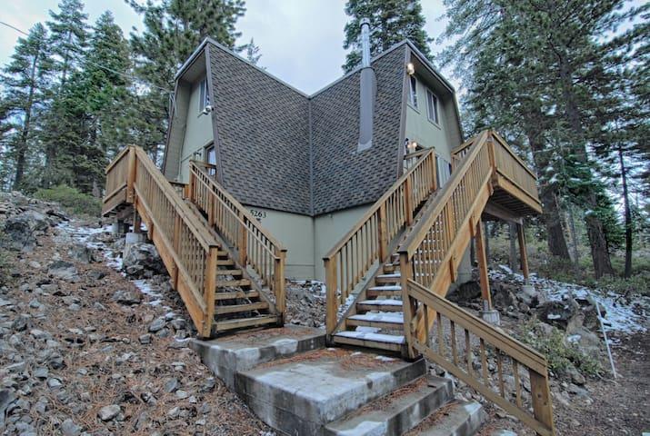 Economical & Rustic Tahoe Cabin