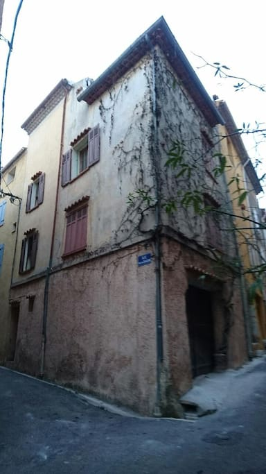 Our house in the heart of Aups' ancient village