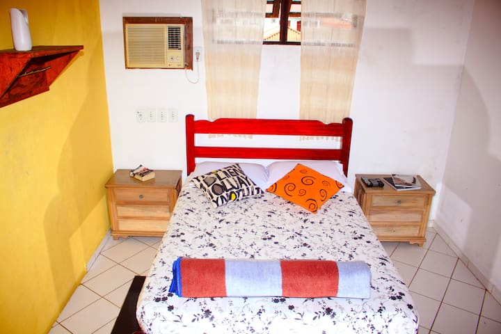 Quarto de casal no Hostel Adventure Paraty. - Paraty - Guesthouse