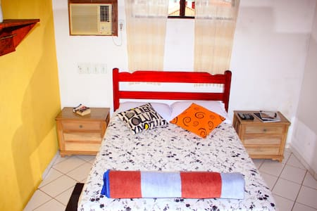 Quarto de casal no Hostel Adventure Paraty. - Paraty