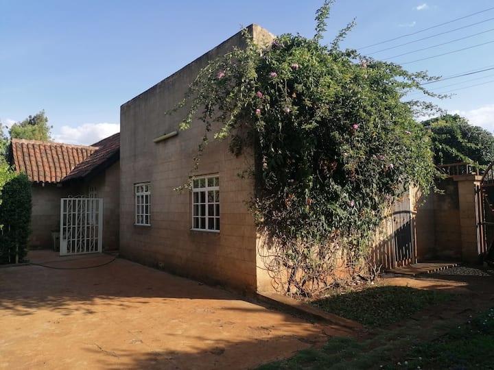 Aesthetically fullyfurnished house to let-inRunda