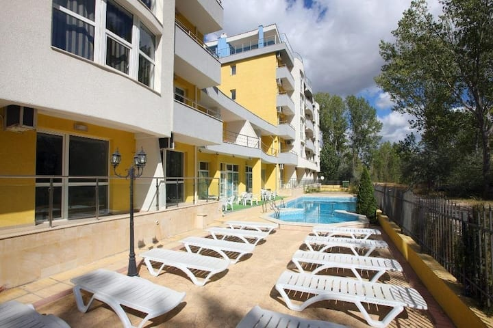 Sunny beach spacious apartement on 4th floor