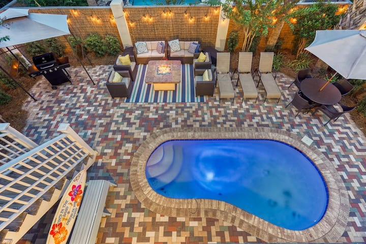 TOES IN THE SAND: Stunning Decor! Outdoor Living, Fire Pit & Golf Cart!