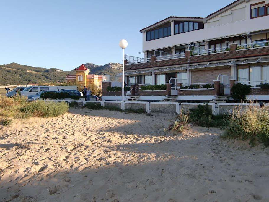 Apartamento en playa de berria arriba apartamentos en alquiler en santo a cantabria espa a - Apartamentos en cantabria playa ...