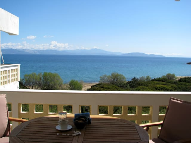 Seaside apartment with a view - Rafina - Daire