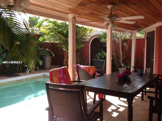 Elegant 2 BR/2 BA Villa W/Private Pool - Nassau - Villa