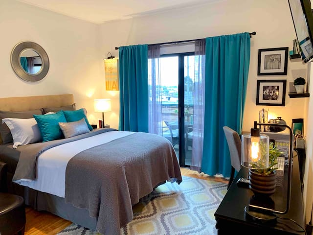 Private Bedroom, Bath & Parking  in West Hollywood
