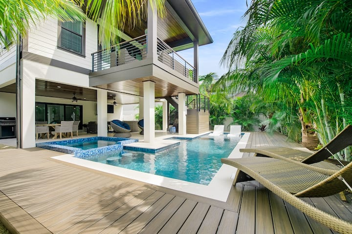 Anchor Watch - Brand new luxury beach house! Incredible pool, close to beach!