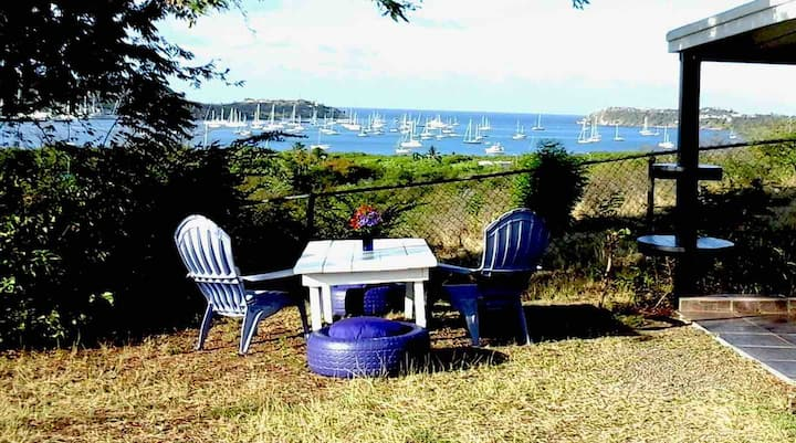 Extended Stay - Hillside Retreat Falmouth
