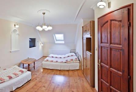 Eged Vendégház - Kétágyas szoba déli fekvéssel - Eger