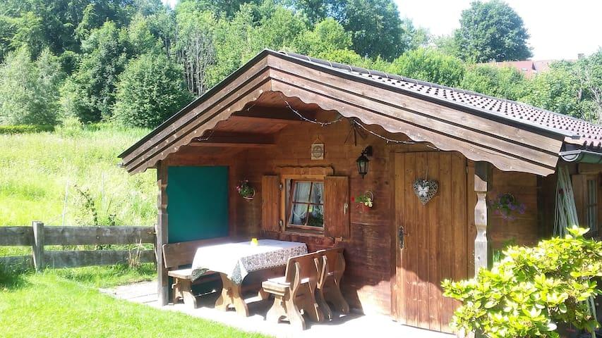 Kleines Ferienhaus/Blockhütte/Zugspitzregion/WLAN/