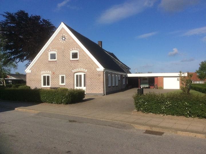 Charmerende villa i Skærbæk 5 km fra Vadehavet.
