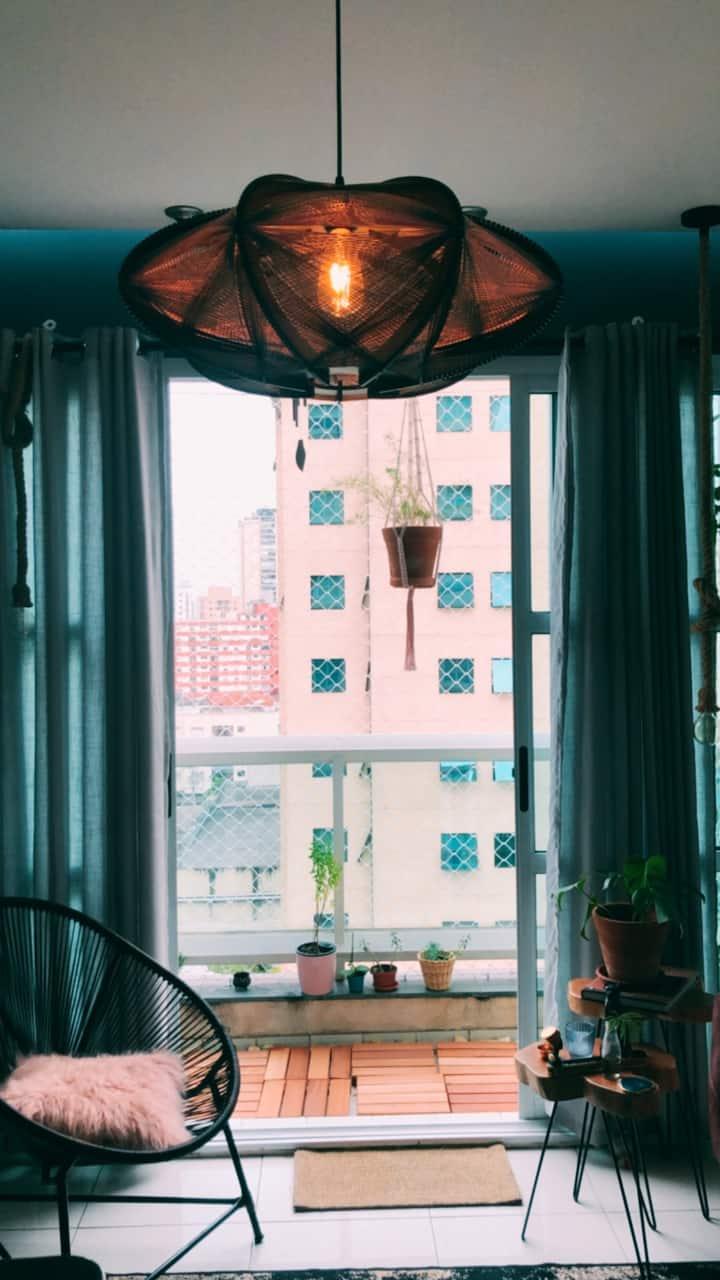 Duplex charmoso e compacto em Moema