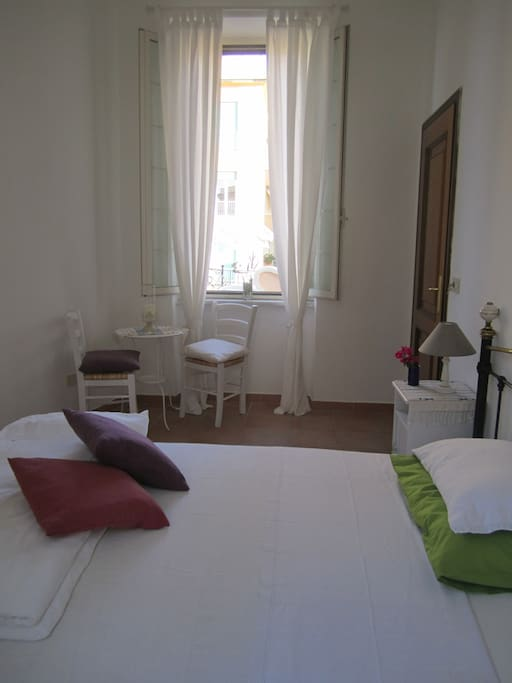 Double Room french bed (1.40mt), private external bathroom.