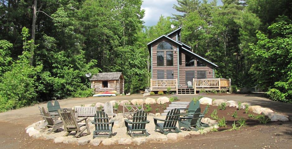 Otter Chalet Lakeside hot tub sauna - Wilmington - Blockhütte
