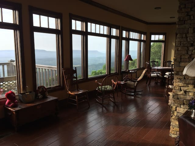 The View - Mentone Mountain View Inn