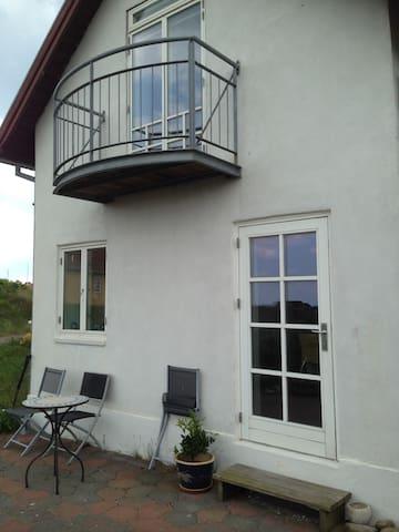 Feriebolig ved strand og golfbane - Fanø - Cabin
