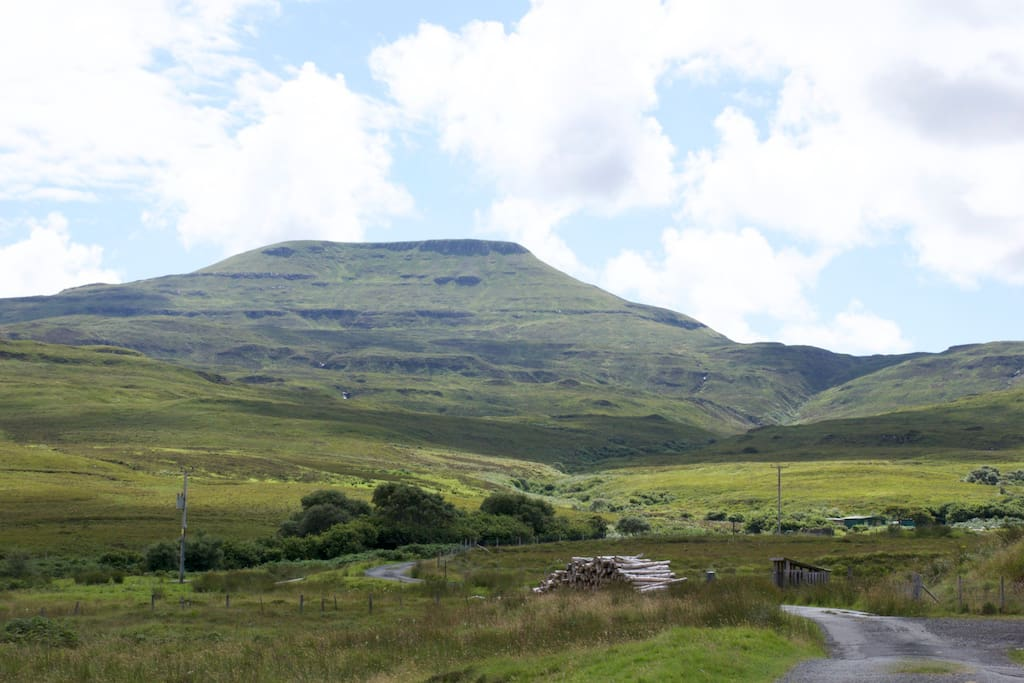 Situated under the north Macleod's Table