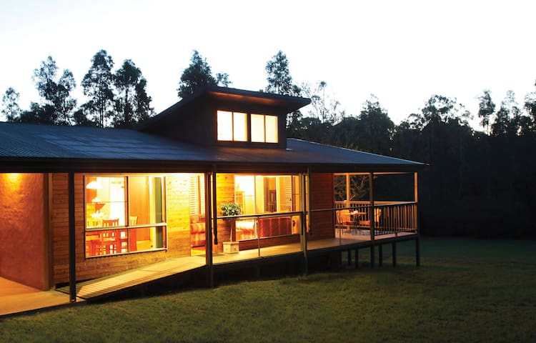 Wattle-Wilde Country Hideaway: 1 Bedroom - Lovedale