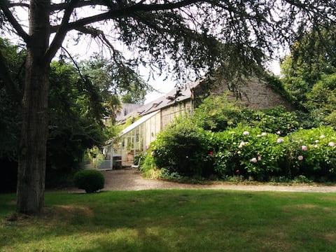 The Greenhouse cottage at the Château de Flottemanville