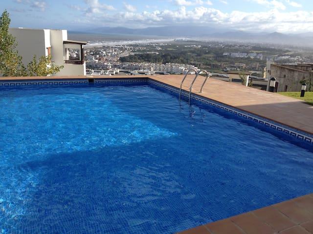 très bel appartement meublé confort total - Cabo Negro - Byt