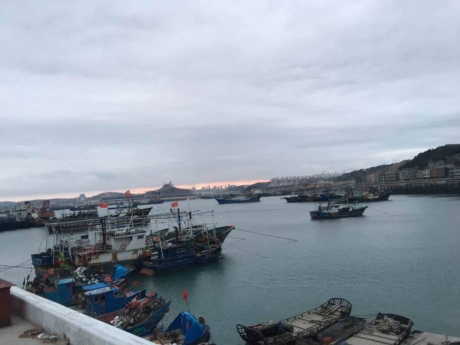 海港码头,在这里你可以体验海岛渔民日出而作,日落而息的生活方式。