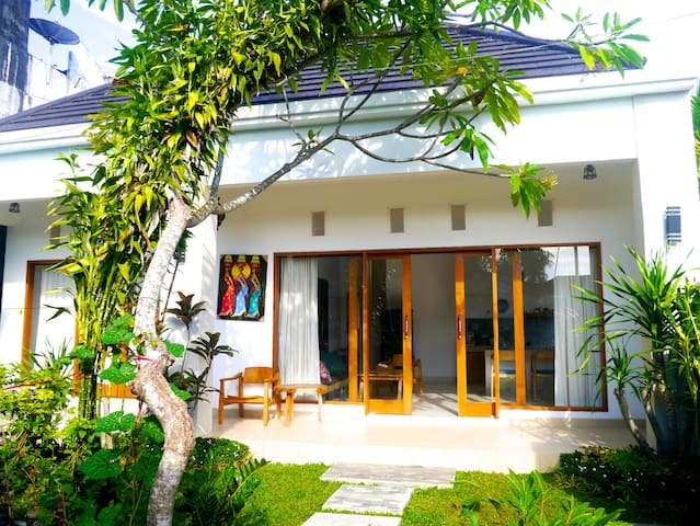 NEW 1BR Private House NR Bali Budha - North Kuta - Hus