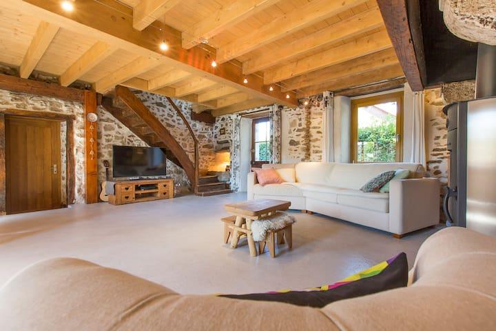 Maison en pierre à proximité du lac d'Aiguebelette - Saint-Alban-de-Montbel