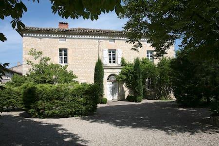 Gites et chambres d'hôtes de Charme - Donnazac