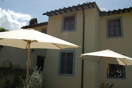 COUNTRY house  near FLORENCE - calenzano