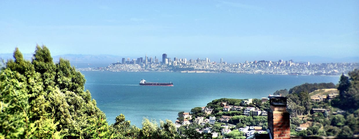 Sausalito Cottage view of San Francisco Skyline