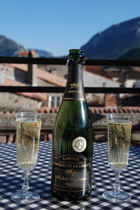 Blanquette, the local sparkling Wine! A must Aperitif on the terrace!