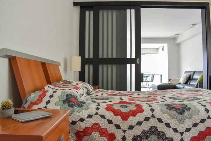Moderna suite con parqueadero, Quito Tenis