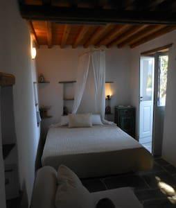 Beautiful island cottage house - Αρτεμώνας