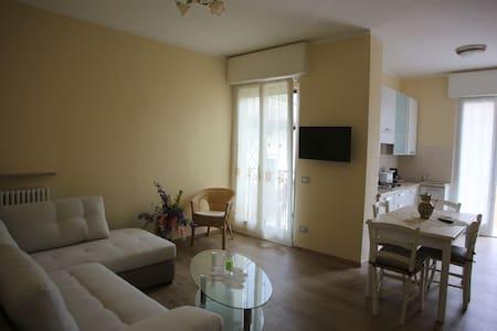 Elegante appartamento al centro - Wohnung