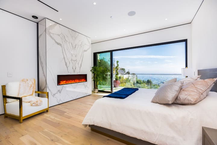 Master Bedroom W/ Fireplace