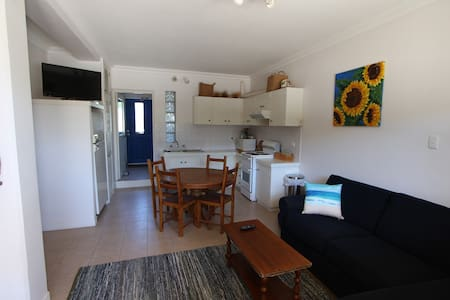 Lancelin Beachside serviced apartment - Lancelin